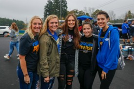 Group of girls at homecoming tailgate